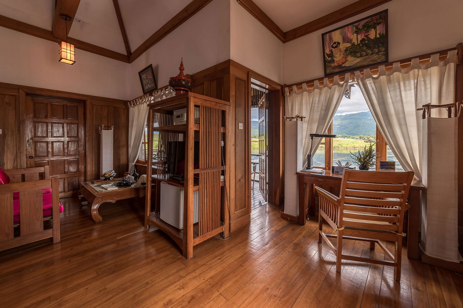 Inle lake resort Myanmar